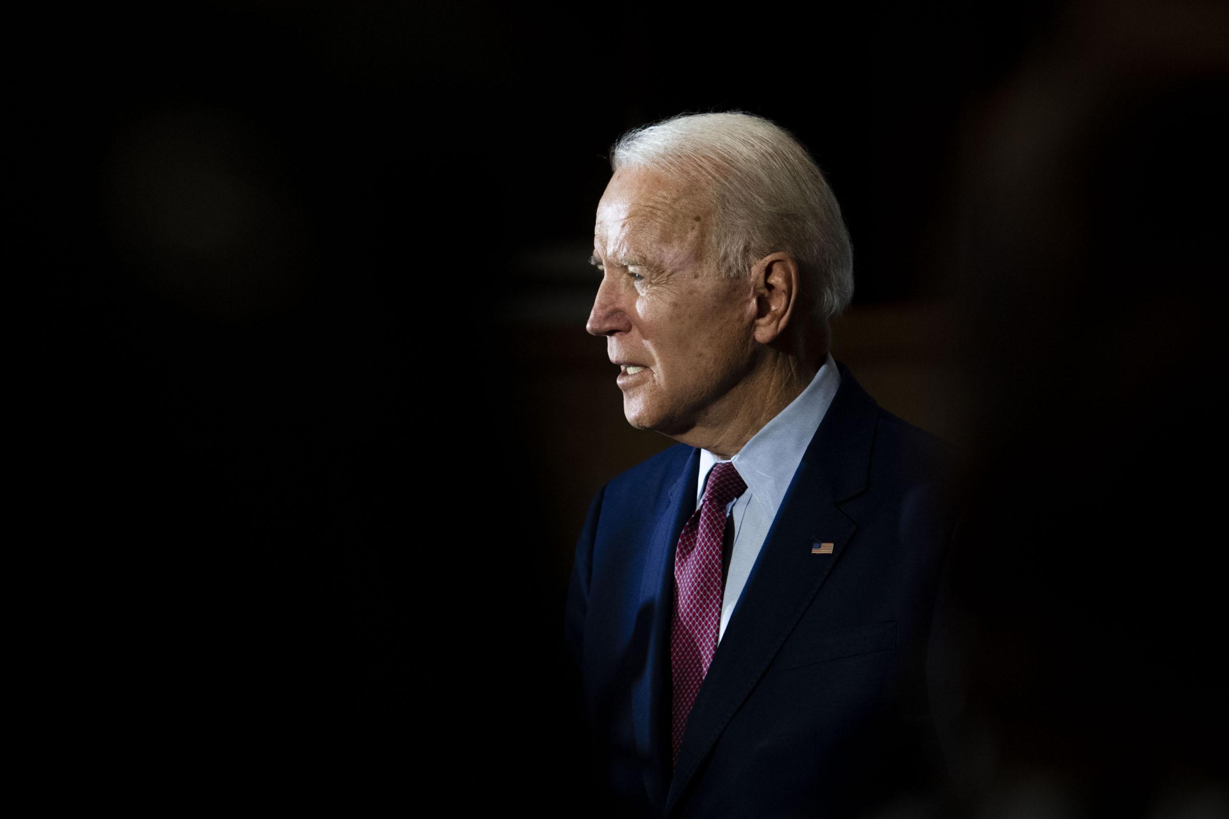 Biden unveils health team that will lead pandemic response